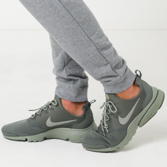 best loved ae6e1 228a5 NIKE PRESTO FLY OLIVE GREEN WOMENS SHOES NWT NWT
